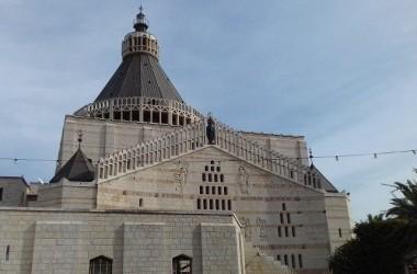 O Terço pelo fim da pandemia na Basílica da Anunciação em Nazaré