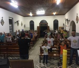 Grupo de Oração Deus imenso realizou Noite de Louvor